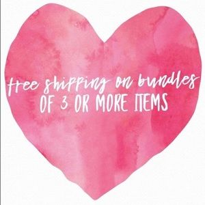 💚FREE SHIPPING💚on bundles of 3 or more items